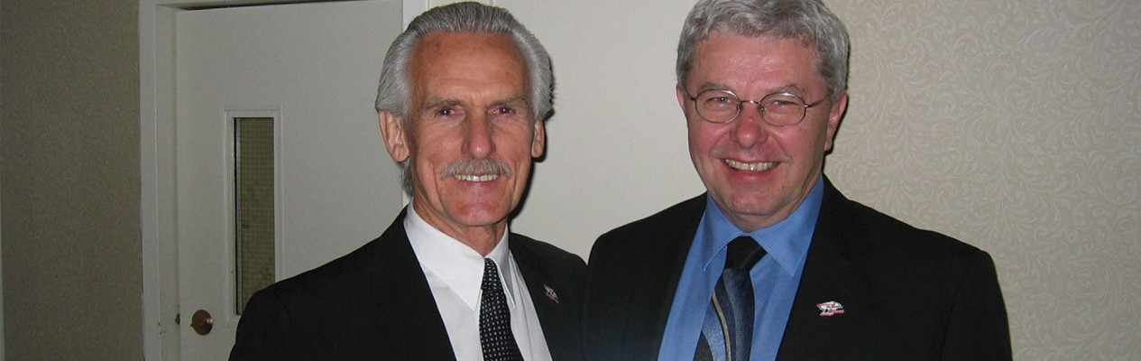 Terry Ledingham (right) with fellow 2016 Alberta Hockey Hall of Fame inductee George Kingston.